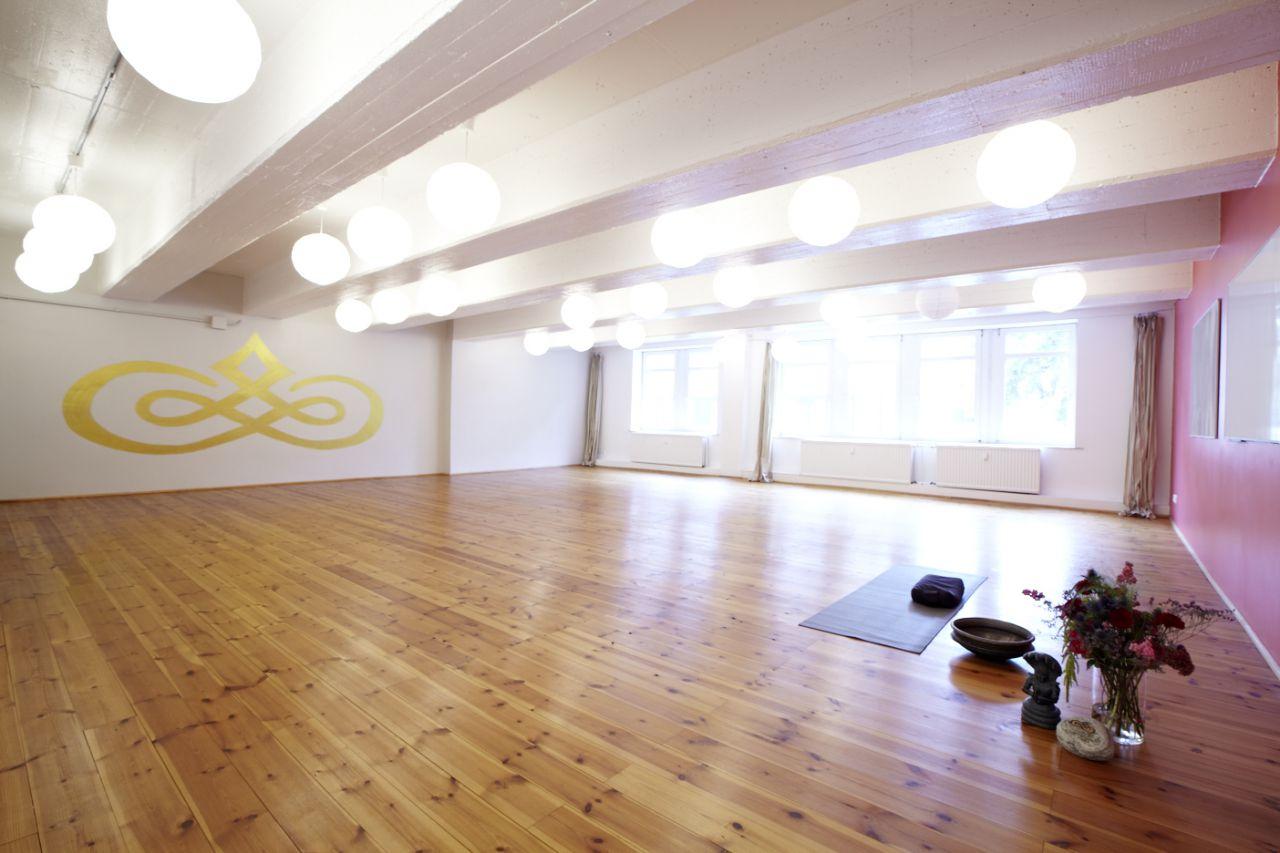 fortgeschritten yoga schule hannover. Black Bedroom Furniture Sets. Home Design Ideas